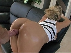 White Mom i`d like to fuck Brandi has a huge tanned Butt