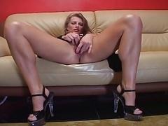 Non-pro blondie solo rectal masturbation