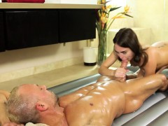 Hot masseuse Riley screams with delight