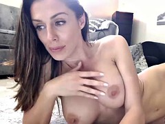 cute cougar whore cumming on webcam show