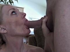 Spray The Cum On Moms Face