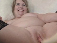 Granny Tries To Squirt But Failed