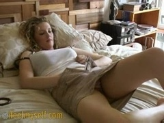 Anthea Jacking off