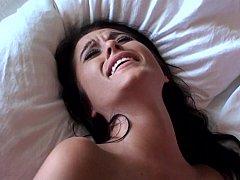 Américain, Chambre à dormir, Brunette brune, Éjaculation interne, Mignonne, Petite amie, Chatte, Maigrichonne
