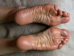 Spermed Soles - Lyn gets a big load