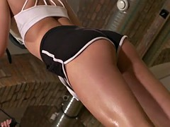 bigclit lesbian pussylicked while working out