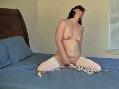 Amateur, Brunette brune, Lingerie, Masturbation, Orgasme, Rasée
