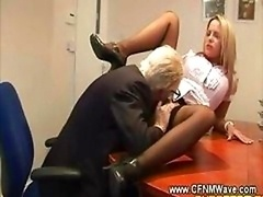 Aged geezer goes down on young and fresh floozy on his office table