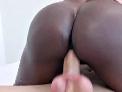 Luxury mature bitch Diamond Jackson with ebony skin is ready for hard fucked