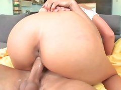 Alluring hottie Phoenix Marie sucks and rides her man's meat stick