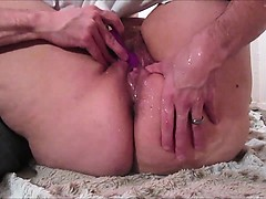 Making a Fat Amateur Squirt with a Sextoy