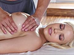 Nana, Gros seins, Blonde, Tir de sperme, Massage, Huilée, Chevaucher, Nénés