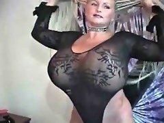 Enthousiasteling, Bondage discipline sadomasochisme, Grote mammen, Dominante vrouw
