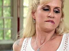 Grosse bite, Blonde, Tromperie, Femme couguar, Mère que j'aimerais baiser, Épouse