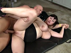 sporty fatty babe fucked in gym