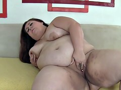 bbw fatty toys with her pussy in solo action