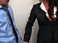 Head hot cougar gets fucked until squirts