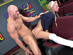 hot englisn slut loulou spreads her legs wide and gets her pussy destroyed