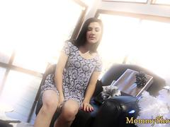 Les stepmom scissoring with teen beauty