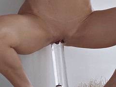 russian milf plays with herself