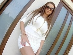 Marina Visconti in upskirt teasing