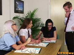 CFNM office babe sucking off cock