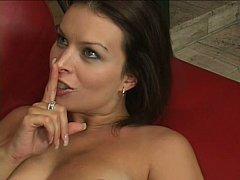 Gros seins, Brunette brune, Tir de sperme, Faciale, Hard, Femme au foyer, Maman, Belle mère