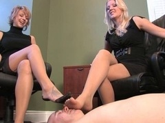 One dude worship the nylon feet of two secretarys