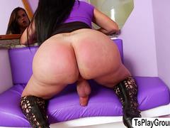 Kinky TS Nicole adores masturbation