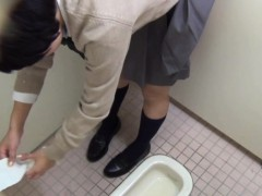Asian peeing for spycam