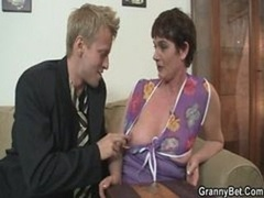 Her unshaved mature fuck hole gets hammered
