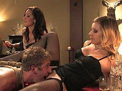 Blonde, Brunette brune, Domination, Groupe, Lingerie, Maîtresse, Jarretelles, Plan cul à trois