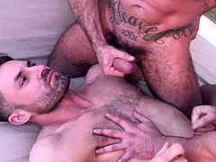 group hook-up - Raw Threesome