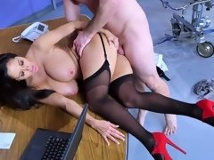 Dr. Ava Addams giving a blowjob & getting rammed by patient